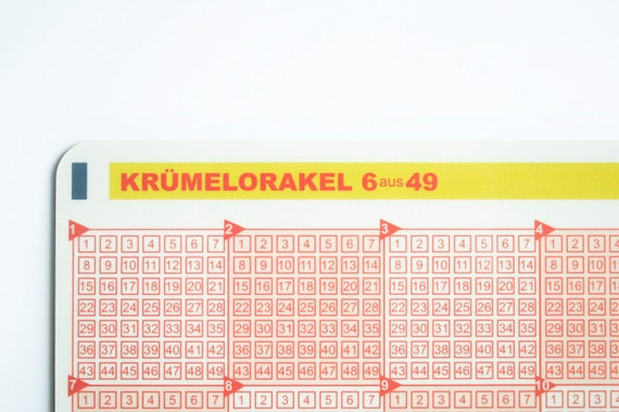 "Breakfast Board ""Crumb Oracle"" (German)"