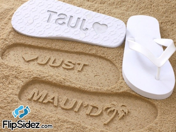Custom Beach Wedding Flip Flops, Wedding Shoes, Bride and Groom Gift, Honeymoon Present, Destination Wedding, Mens/Womens Sizes