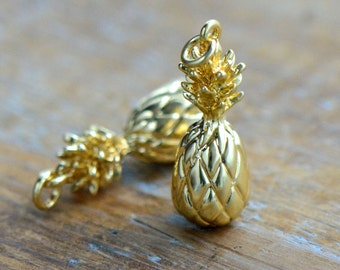 1 - Small Pineapple Charm 24k Gold Plated Pineapple Fruit Hawaii Jewelry Pineapple Pendant (BD140)
