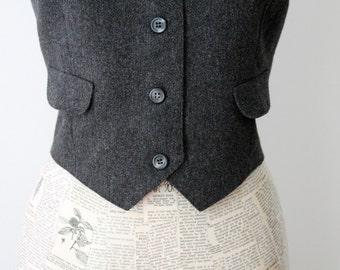 Vintage women's gray vest / preppy boho style / retro classic wool vest / minimalist masculine simple style / Bryn Mawr / Bobbie Brooks