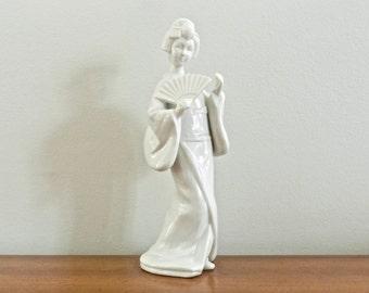 Vintage Asian Geisha Figurine Blanc De Chine Porcelain Japanese Statue Chinoiserie Chic Decor