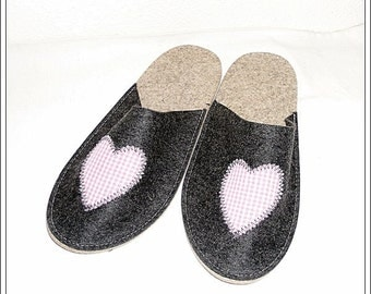 FELT - slippers with heart