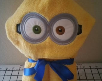 Two Eyed Bob Hooded Bath Towel