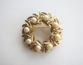 Vintage Round Avon Wreath Brooch with Faux Pearls