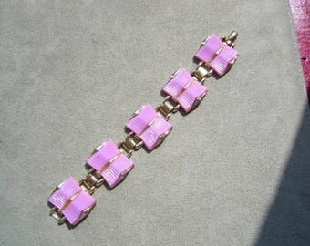"""50's Coro lavendar thermoset bracelet, like new condition, set in gold tone,  7 1/4"""" length, 1 1/8"""" wide, great design"""