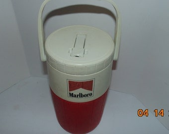 Vintage Coleman thermos water with Marlboro advertising spout handle red 1990 1/2 gallon