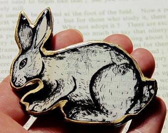 Chunky bunny brooch