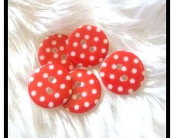 Red spotty plastic 15mm buttons x 10