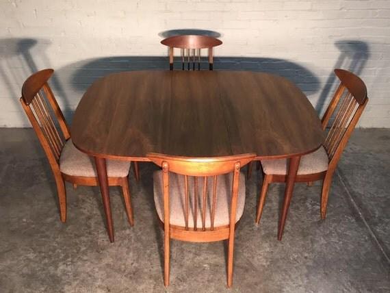BROYHILL SCULPTRA Mid Century Modern Dining Room Table : il570xN811192044glgg from www.etsy.com size 570 x 428 jpeg 59kB