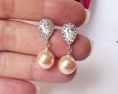 soft peach pearl earrings, peach bridesmaid earrings, pearl wedding earrings, peach pearl bridal earrings, peach pearl bridesmaid jewelry