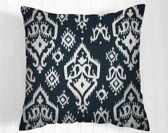 Pillows, Navy Pillow, Decorative Pillows,Pillow Covers  white and navy blue. , Decorative Pillows,, Pillows, Throw Pillow,   Pillow