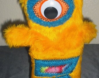 EyeK the Alien Hand Puppet
