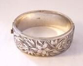 Vintage Wide Sterling Silver Bangle, Vintage Hinged Silver Bangle, Oval Silver Bangle, Etched Silver Bangle