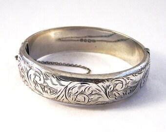 Vintage Etched Sterling Silver Bangle, Vintage Hinged Silver Bangle, Oval Silver Bangle