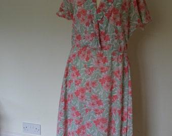 Vintage tea dress, pink, floral pattern, 12-14, 1980s