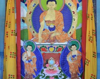 Large silk Thangka of Buddha Shakyamuni with his two heart sons, Traditional Tibetan Vajrayana art