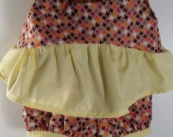 Two piece short set size 12 - 18 mos