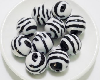 15mm Zebra stripes Design Acrylic Beads set of 10 / #121