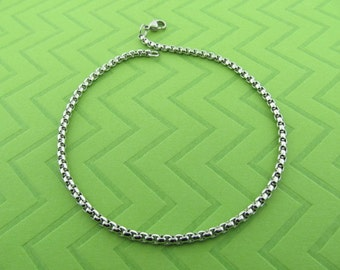 stainless steel chain anklet. avail in 9 and 10 inches