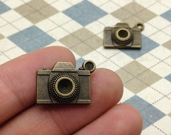 20 pcs of Antique Bronze Camera Charms 15mmx20mm