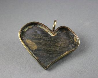 Asymmetrical Heart Shaped Deep Pendant Tray Bezel  for Altered Art Mosaic Jewelry (1)