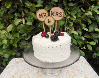 Wood cake topper/ Rustic Wedding Cake Topper / Tree Slice Cake Topper / Mr & Mrs