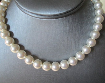 Faux Pearl Lucite Beaded Necklace Creamy Grayish Coloring Signed Japan 1960s Mid Century Simple Elegance
