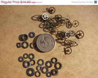 Steampunk lovers Antique Tiny BRASS and Silver Gears / Steampunk Gears / Industrial Mixed Media Assemblage Scrapbooking / Gears ww23