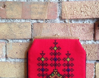1960's folk embroidered chain strap purse
