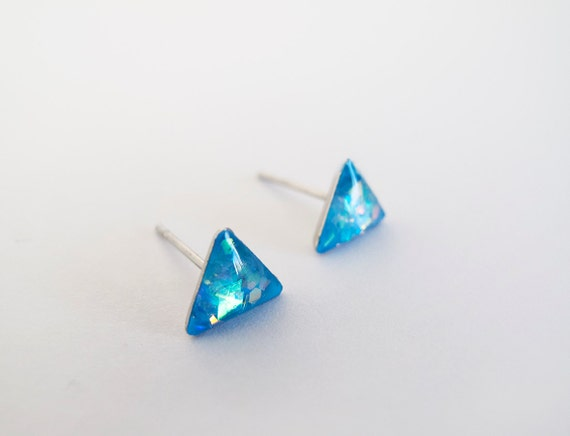 blue sparkly triangle stud earrings by lamfatita on etsy