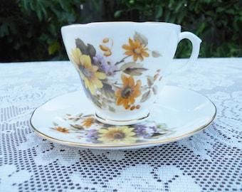 English Tea cup Duchess Daisies