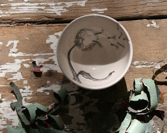 Hand Drawn Small Dandelion Bowl, Hand Sketched Ceramic Decoration,Gift
