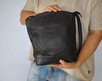 Vintage ERKON leather handbag , shoulder bag....(135)