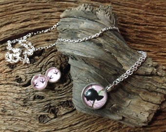 Turkey necklace and tracks jewelry set: pink camouflage turkey necklace and earrings