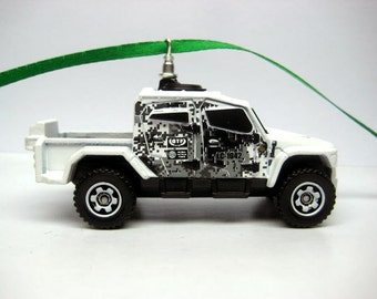 International MXT-MVA Off-Road Quad-Cab Jeep Truck Matchbox Ornament