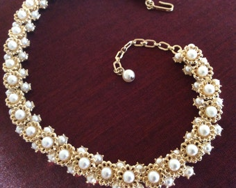 Trifari Pearl Necklace 1950's..... Fancy Vintage style