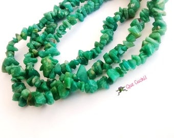 Long necklace of chips in Russian amazonite