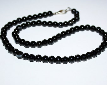 """BLACK AGATE beads 6 mm. Round smooth beads black """"eye"""" agate."""
