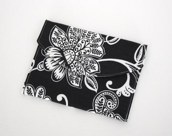 Padded Envelope Style Pouch - Black & White Floral