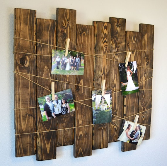 Rustic wood slat christmas card display by mintagedesigns for Picture frame hanging designs