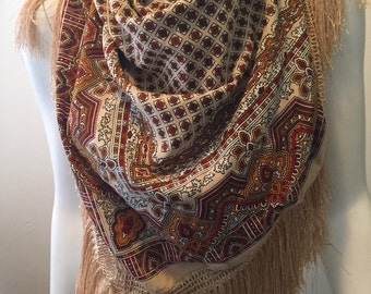 Vintage large fringe scarf wrap classic foulard pattern boho hippie chic gypsy traveller love!