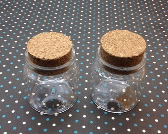 2 Mini glass bottles with corks 46x 47mm