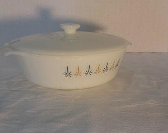 Anchor Hocking Fire King 1.5 qt lidded casserole