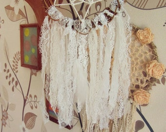 Boho Wedding Dreamcatcher - Bohemian Dream Catcher - Gypsy Wedding - White Lace - Wedding Decoration - Just Married Bedroom - In Stock