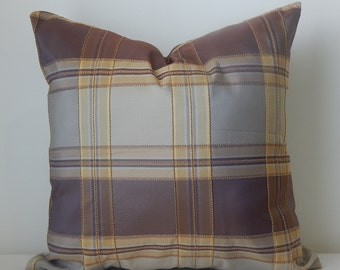 18x18 Handmade Elegant Pillow Cover in A Square Pattern Design