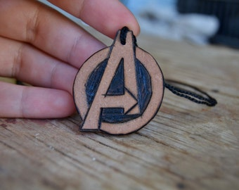 AVENGERS - Small Necklace/Keychain