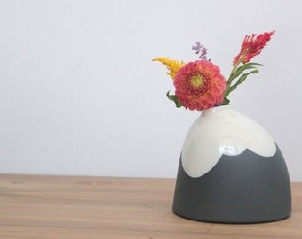 slip cast porcelain cloudy big bud vase