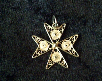 Vintage 917 silver filigree Maltese cross pendant, cross charm, openwork cross