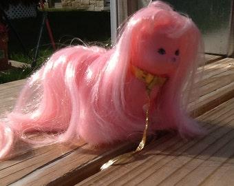 Mattel LADY LOVELYLOCKS Silkypup Dog