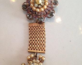 Vintage Victorian Floral Jewelled Brooch